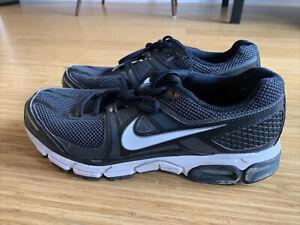 nike moto 10 - Running / Workout Sneaker (Men's size 10); Black & White
