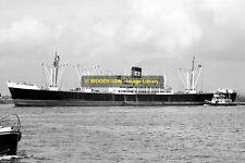 mc1648 - Federal Steam Nav Cargo Ship - Surrey , built 1952 - photo 6x4