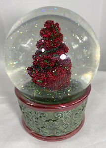 "SNOW GLOBE "" Deck The Halls "" MUSICAL Christmas Water GLOBE"