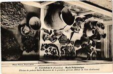 CPA  Penmarch (Finistére) - Musée Préhistorique -Vitrine de poterie ...(206424)