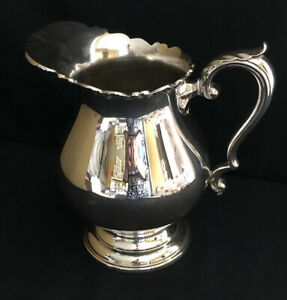 GORGEOUS! WALLACE 1167 SILVERPLATE WATER PITCHER SCROLLS