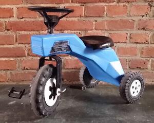 altes Ferbedo Mod. 250/251 Dreirad Trettauto Traktor Bulldog blau Dunlop Reifen