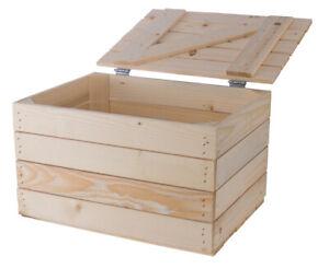 Kleine Holztruhe mit Deckel eignet sich für drinnen & draußen / genügend Platz