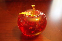 Dynasty Gallery Heirloom Paperweight Apple Glass with bronze leaf