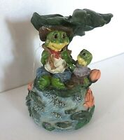 Musical Fishing Grandpa frog with little girl frog Resin Free shipping