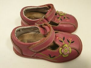 Hush Puppies size 5 infant pink leather hook and loop strap first shoes