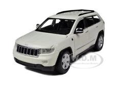 2011 JEEP GRAND CHEROKEE WHITE 1/24 DIECAST CAR MODEL BY MAISTO 31205