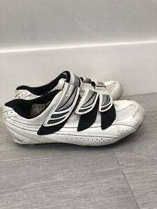 SHIMANO Women's Size 7.5 White Road Cycling/Spin Shoes With SPD Cleats
