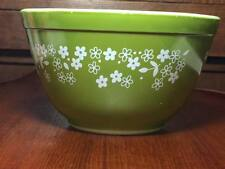 Vintage Pyrex Spring Blossom 401 mixing bowl