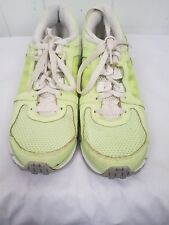 Nike Dual Fusion ST 2 womens sneakers tennis Shoes size 11 bright green