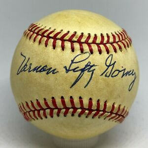 Lefty Gomez RARE FULL NAME Signed Baseball PSA/DNA Vernon Lefty Gomez HOF