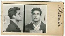 Identité judiciaire - fiche anthropométrique d'un criminel. En 1958