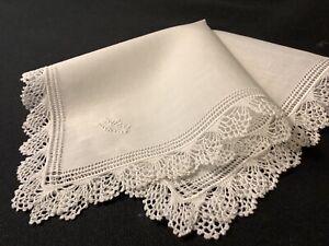#6855🌟Antique TINY Fine Linen & Fine Lace Batiste Linen Wedding Handkerchief
