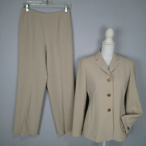 Women's ANN TAYLOR Pant Suit..Petites. Jacket size 6P blazer career work