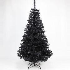 Dekorierte Weihnachtsbäume in Schwarz