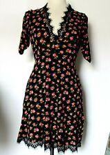 TOPSHOP BLACK FLORAL DITSY DRESS. SIZE 8.