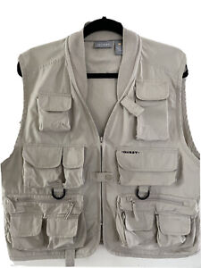 NEW Quest 14 Pocket FLY FISHING HIKING PHOTOGRAPHY HUNTING Vest S/M khaki beige