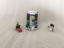 lego set with holiday theme! Good for kids around 6-10. Small set but fun.