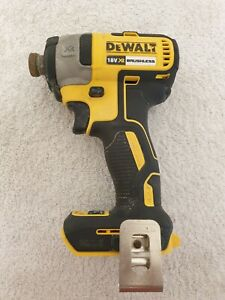 DeWalt DCF887 Brushless Cordless 18V XR Impact Driver (Body Only) Working