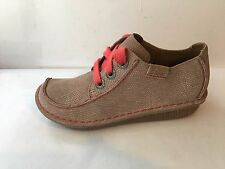 Clarks funny dream shingle leather size 3.5 D FLAT WEDGE womens shoes sandals