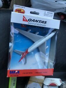Qantas Airbus A380 Airliner Toy Airplane Diecast with Plastic Parts
