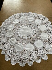 Vintage/ Retro  round white  Crochet Side Table Tablecloth