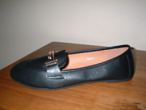 RAID NIDHI WIDE FIT  BLACK SNAFFLE BAR SLIP ON FLAT LOAFERS SIZE 7/40 WIDE FIT