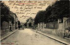 CPA Mezidon - Une rue (475878)