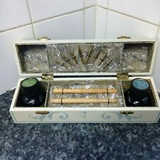 More details for beautiful chinese calligraphy set - including 2 pens, 8 nibs and 2 inks.