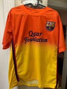 Barcelona football shirt mens medium - (10 Messi)