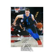 Luka Doncic Autographed Dallas Mavericks 16x20 Photo - Fanatics (Black Jersey)