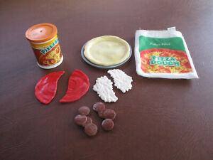 VINTAGE FISHER PRICE PLAY FOOD PIZZA