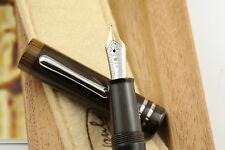 Stipula Novecento Chromo Fountain Pen - Fine 18k Nib