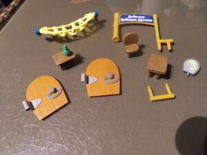 Lot pieces pour Grand Moulin Des Schtroumpfs Maison Peyo Année 2009