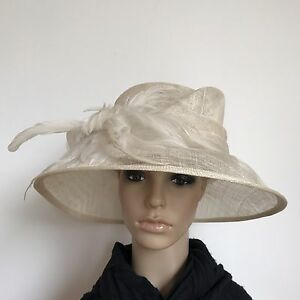 Ladies Beige Feather Elegant Organza Formal Race Wedding Melbourne Cup Hat H356