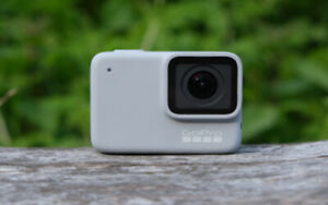 NEW GoPro Hero 7 White Waterproof Action Camera Touchscreen 1080p HD Video 10MP