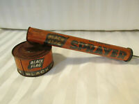 VINTAGE BLACK FLAG HAND SPRAYER DUSTER RETRO DISPLAY COUNTRY GARDEN TOOL SHED