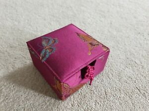 LOVELY DEEP RASPBERRY PINK SATIN EMBROIDERED BLUE YELLOW BUTTERFLY TRINKET BOX
