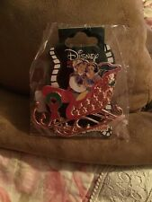 Disney Pin Snow White and Prince Princess Couple Holiday Sleigh Dssh Le 400