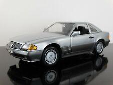 Revell 1990 Mercedes-Benz 500 SL-32 Convertible 1:18 Scale Diecast Model Car