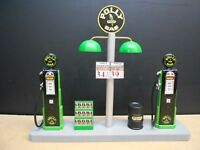 """ POLLY "" GAS PUMP ISLAND DISPLAY W/GAS PRICE SIGN, 1:18TH, HAND CRAFTED, NEW"