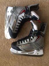 Easton Stealth S17 Youth Ice Hockey Skates Size 3.0R Nice*