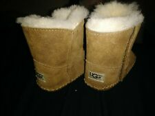 Baby Ugg Suede sheepskin Toddler  Booties caden Size 2/3 1005198l chestnut boots