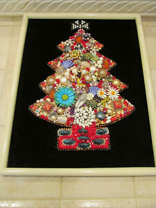 Vintage Costume Jewelry Framed Christmas Tree 18 x 14 S.F. Art Show Winner