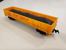 Ho Scale Life-Like 40' Hopper with Coal Load Union Pacific Up 29500