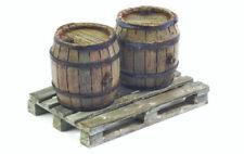 1/35 Scale model kit Set of Wooden Barrels Wooden Pallet