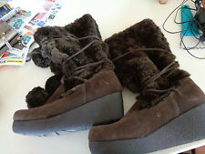 Report Brown Suded Boota W/Thick Rubber Sole and Faux Fur Top Hardly Worn  7.5M
