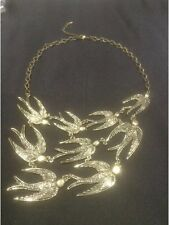 *Vintage Style Gold Statement Necklace With Birds*