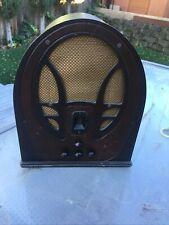 New ListingVintage Philco radio model 89, In good condition.