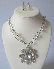New Fashion Necklace And Earring Set With Big Stone Studded Flower Pendant